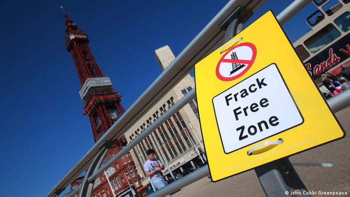 England Anti-Fracking Protest in Blackpool (John Cobb/ Greenpeace)