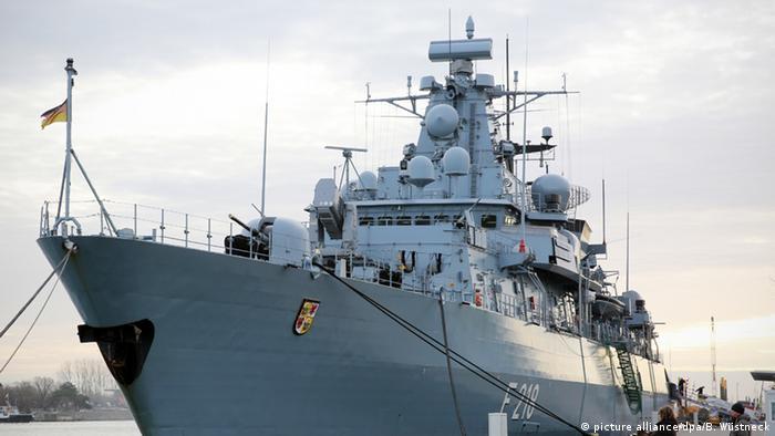Warnemünde Fregatte Mecklenburg-Vorpommern Marine Bundeswehr