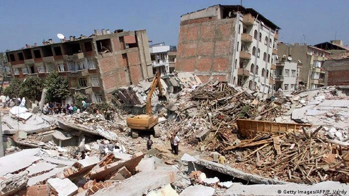 Türkei Marmara Erdbeben 1999 (Getty Images/AFP/P. Verdy)