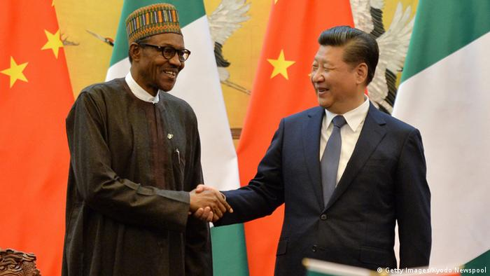 Nigerias Präsident Muhammadu Buhari und der chinesische Präsident Xi Jinping Foto: Getty Images/Kyodo Newspool