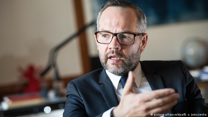 German state minister: Persecuted Turks can apply for asylum in Germany |  News | DW | 08.11.2016