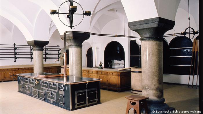 Neuschwanstein tinha inovações técnicas, como água quente nas torneiras