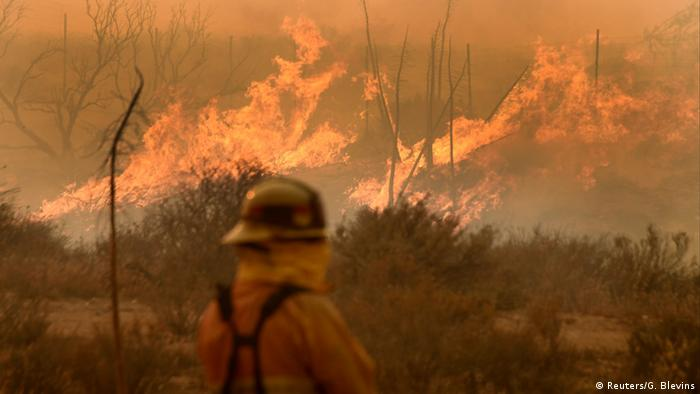 USA Kalifornien Brand - Bluecut fire in Cajon Pass (Reuters/G. Blevins)