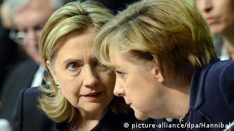 Хиллари Клинтон и Ангела Меркель на саммите ОБСЕ в 2010 году в Астане