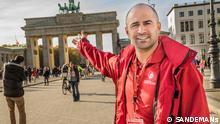 """Tour-Guide George Carillo aus den USA: """"Ich kann unbefangen über deutsche Geschichte und Identität sprechen."""""""