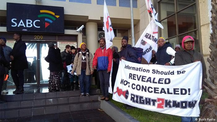 Journalists protest outside SABC
