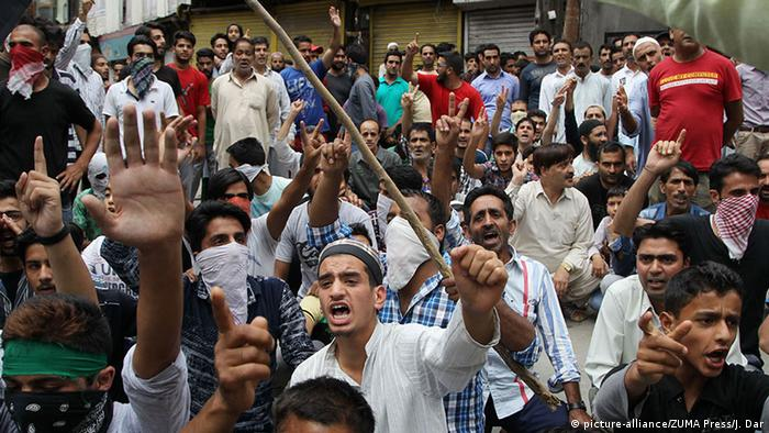 Pakistan Kashmir Proteste in Srinagar (picture-alliance/ZUMA Press/J. Dar)