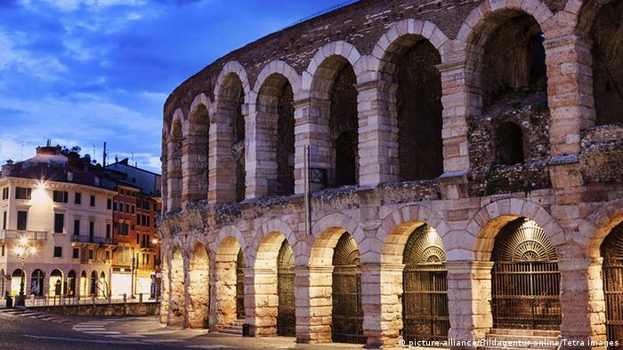 Italien Arena von Verona außen