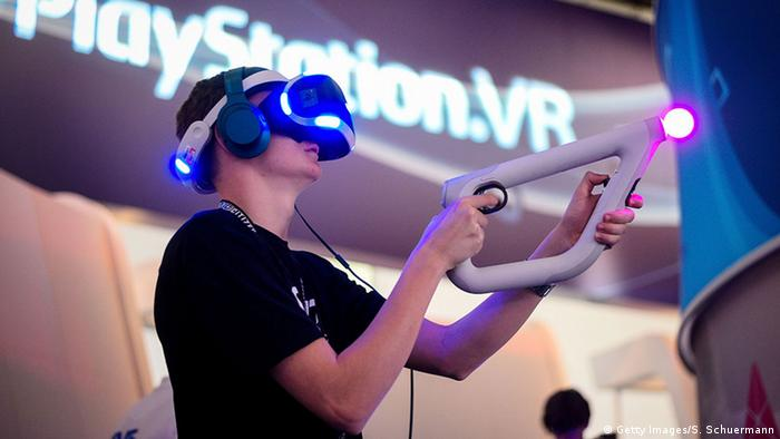 Virtual reality at Gamescom 2016, Copyright: Getty Images/S. Schuermann