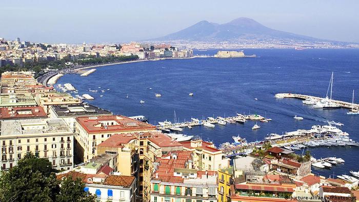 Italien Neapel und Vesuv