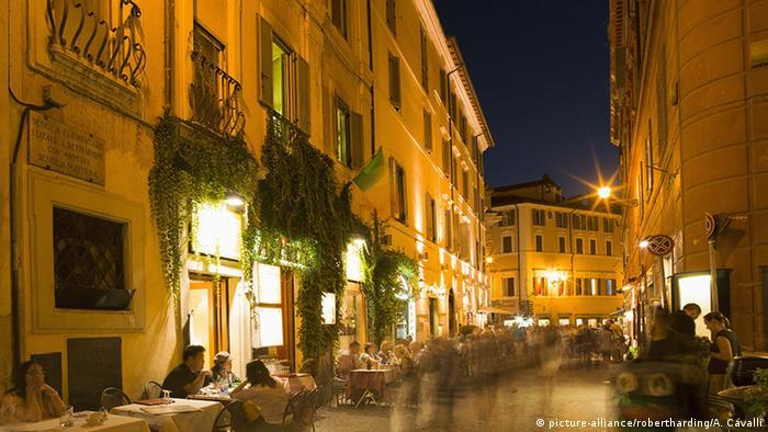 Italien Rom, Straße in Lazio