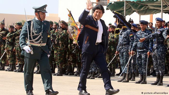 Bolivien Morales öffnet Antiimperialistischen Kommandoschule