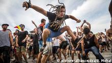 Global Ideas Bild der Woche KW 33 Ungarn Fans tanzen bei Musikfestival