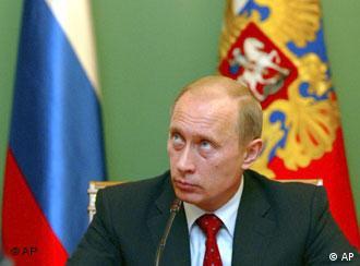 Критика раздается и в адрес Владимира Путина