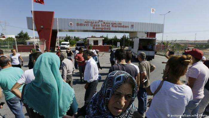 Türkei Großrazzia gegen Gülen Anhänger