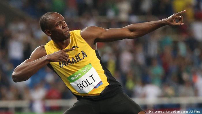Rio 2016 Olympia Leichtathletik Usain Bolt posiert nach 200 m Rennen (picture-alliance/Zumapress/Li Ming)