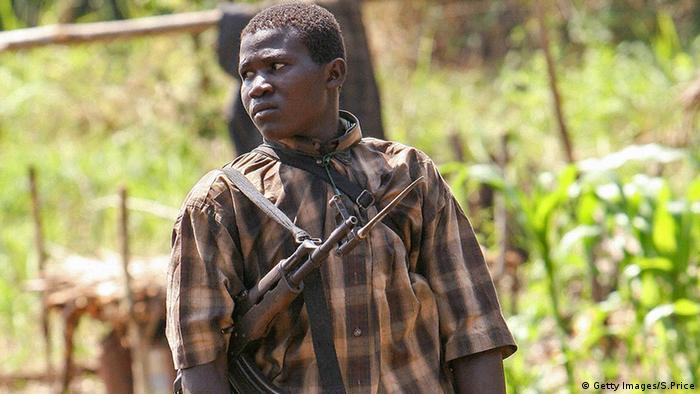 Ein Kindersoldaten der Lord's Resistance Army LRA