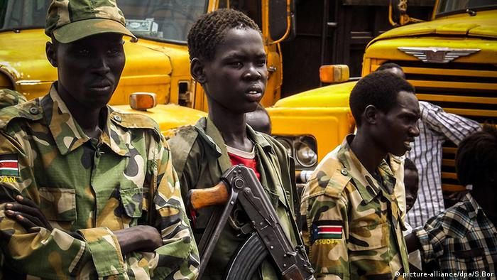 Kindersoldat Südsudan (picture-alliance/dpa/S.Bor)