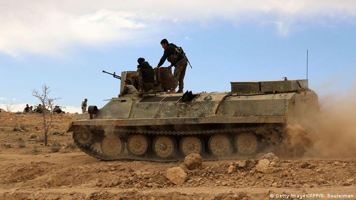 Archivbild Kämpfer der Syrischen Demokratischen Streitkräfte in Hasakeh