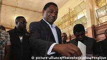 11.8.2016 *** (160811) -- LUSAKA, Aug. 11, 2016 () -- Hakainde Hichilema, opposition leader of the United Party for National Development (UPND), casts his ballot at a polling station in Lusaka, capital of Zambia, Aug. 11, 2016. Polling started Thursday morning for Zambia' s general elections and referendum. About 6.7 million registered voters are expected to cast their ballots at nearly 7,700 polling stations across the country, which opened from 6 a.m to 6 p.m. (Xinhua/Penglijun) (yk) Copyright: picture-alliance/Photoshot/Xinhua/Penglijun