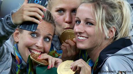 Brasilien Olympische Spiele Rio 2016 – Fußball Frauen - Deutschland Olympiasieger (Reuters/U. Marcelino)