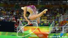 Rio_Momente_19_08 19.08.2016 *** 2016 Rio Olympics - Rhythmic Gymnastics - Preliminary - Individual All-Around Qualification - Rotation 1 - Rio Olympic Arena - Rio de Janeiro, Brazil - 19/08/2016. Margarita Mamun (RUS) of Russia competes using the hoop. REUTERS/Mike Blake TPX IMAGES OF THE DAY FOR EDITORIAL USE ONLY. NOT FOR SALE FOR MARKETING OR ADVERTISING CAMPAIGNS. © Reuters/M. Blake