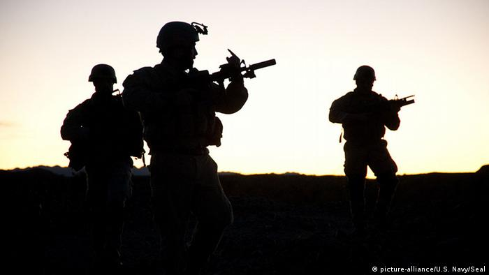 US-Soldaten in Afghanistan (picture-alliance/U.S. Navy/Seal)