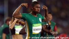 20. August 2016 Rio Olympic Games 2016 - Day Fifteen. South Africa's Caster Semenya celebrates victory in the women's 800m final at the Olympic Stadium on the fifteenth day of the Rio Olympics Games, Brazil. Picture date: Sunday August 21, 2016. Photo credit should read: Mike Egerton/PA Wire. EDITORIAL USE ONLY URN:28431890 | (c) picture-alliance/empics/M. Egerton