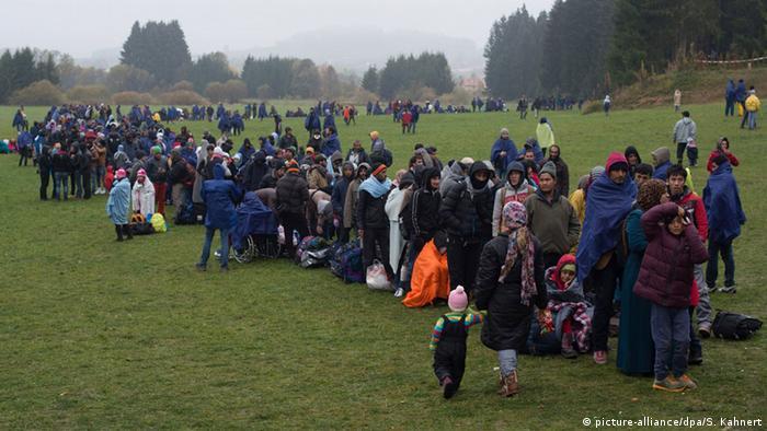 Kryzys migracyjny 2015: imigranci na granicy niemiecko-austriackiej
