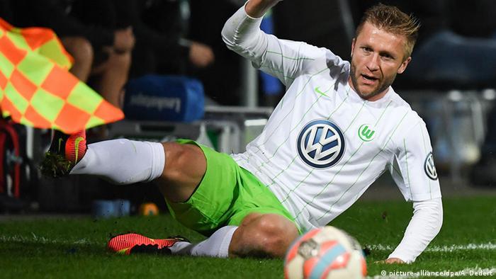 Ausrüster der Bundesliga 16/17 VfL Wolfsburgs Jakub Blaszczykowski