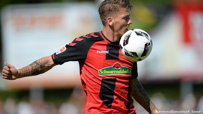 Ausrüster der Bundesliga 16/17 SC Freiburg - hummel & Schwarzwaldmilch