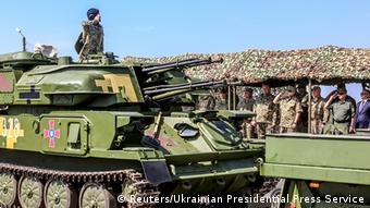 Підпорядкування армії цивільним органам влади - одна з головних засад військової реформи