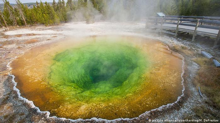USA Morning Glory Pool im Yellowstone-Nationalpark