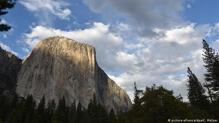 El Capitan at Yosemite National Park (picture-alliance/dpa/C. Melzer)