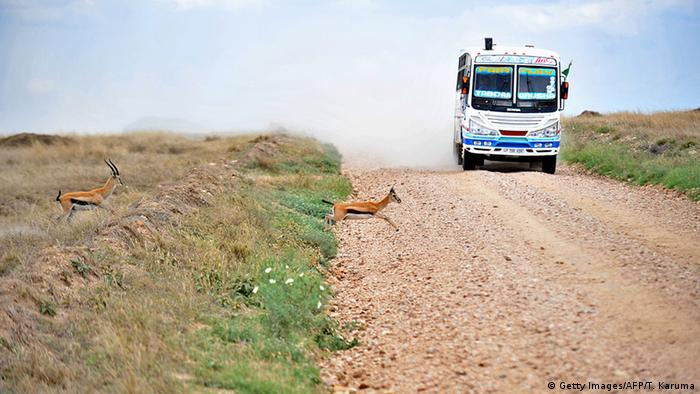 Kenya gepflasterte Straße (Getty Images/AFP/T. Karuma)