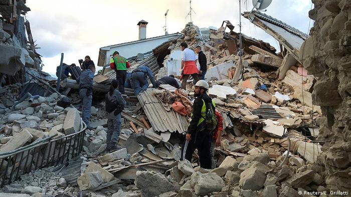 Разрушения в итальянском городе Аматриче после землетрясения