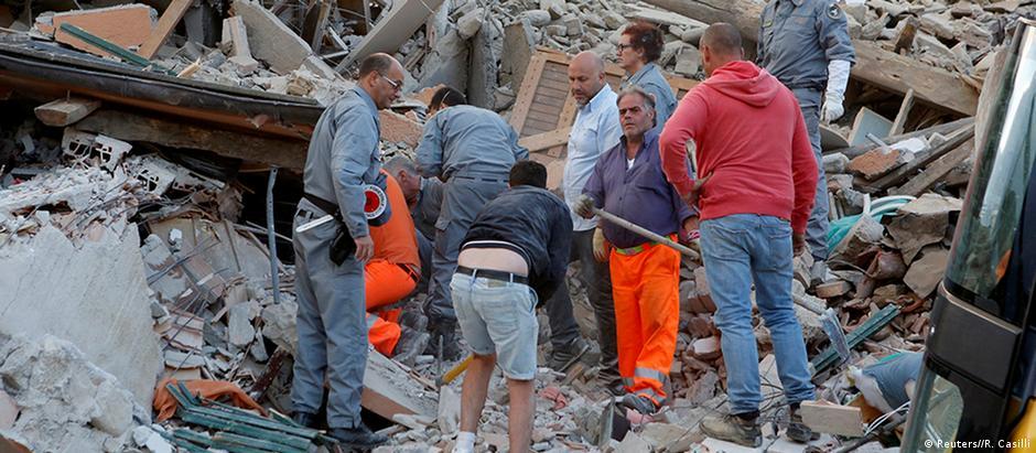 Destruição em Amatrice: cidade foi uma das mais atengidas pelo terremoto