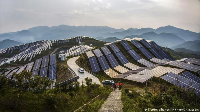 BdW Global Ideas Bild der Woche KW 34/2016 China Erneuerbare Energie (picture-alliance/AP Photo/Chinatopix)