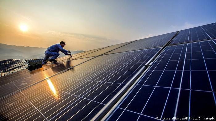 BdW Global Ideas Bild der Woche KW 34/2016 China Erneuerbare Energie (picture-alliance/AP Photo/Chinatopix)