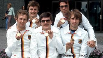 Сборная ФРГ по фехтованию на рапирах - олимпийские чемпионы в командных соревнованиях на Играх в Монреале в 1976 году