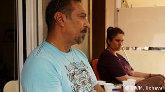 Абдуламир Хуссейн с женой ожидают размещения в одной стран на севере Европы