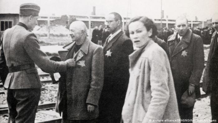 Judeus no campo de extermínio de Auschwitz, em 1944
