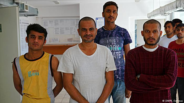 Gruppe pakistanischer Flüchtlinge in Bulgarien (Copyright: DW/M. Ilcheva)