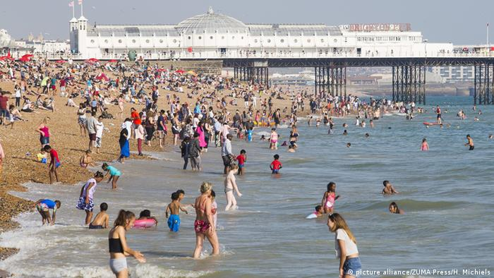Großbritannien Sommerwetter in Brighton (picture alliance/ZUMA Press/H. Michiels)