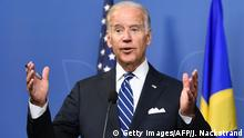 25.08.2016 US Vice President Joe Biden holds a joint press conference with Prime Minister of Sweden Stefan Loefven following their meeting on August 25, 2016 at the Bella Venezia room at the Rosenbad government office in Stockholm, Sweden. US Vice President Joe Biden visits Sweden for talks with Swedish Prime Minister Stefan Löfven on the migration and other global issues. / AFP / JONATHAN NACKSTRAND (Photo credit should read JONATHAN NACKSTRAND/AFP/Getty Images) Copyright: Getty Images/AFP/J. Nackstrand