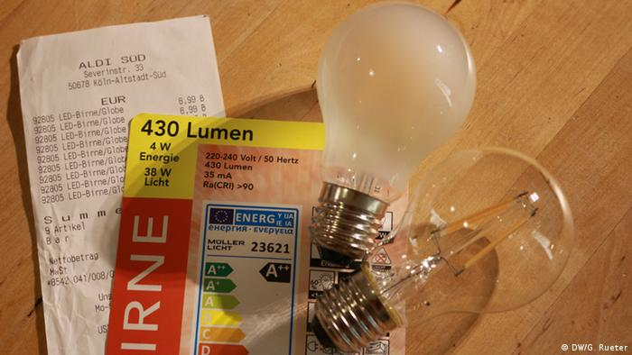 Halogen, LED Lightbulbs (DW/G. Rueter)