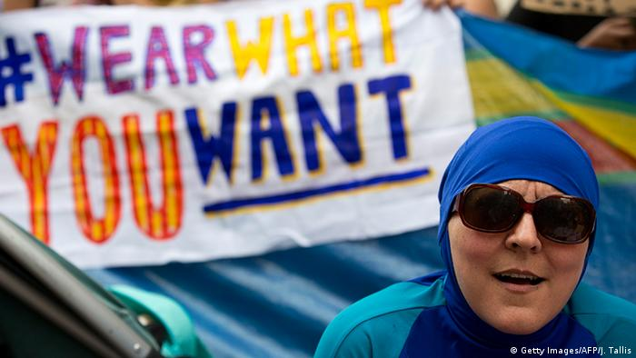 #WearWhatYouWant protest in Great Britain (Getty Images/AFP/J. Tallis)