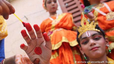 BdW Global Ideas Bild der Woche KW 34/2016 Indien Janamashtami Festival in Neu Delhi (picture-alliance/dpa/R. Gupta)