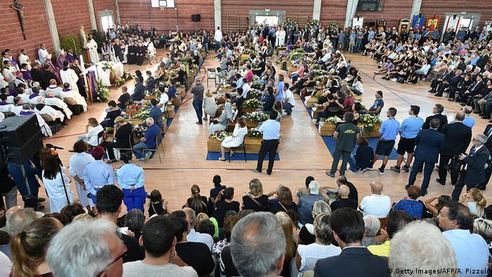 Italien Trauerfeier für die Erbebenopfer in Ascoli Piceno