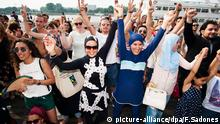 Antwerpen Belgien Burkini Party Protest